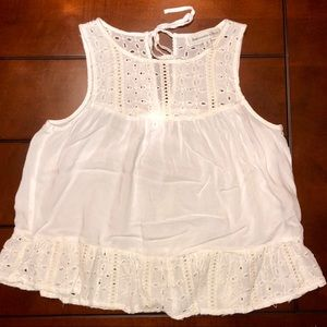 ✨Abercrombie & Fitch Eyelet Lace Top✨